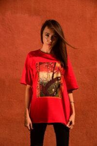 red oversized t-shirt Van Gogh