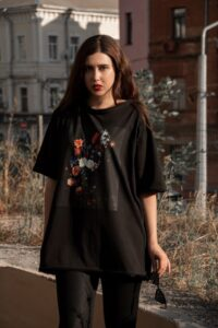 Black oversized t-shirt art print