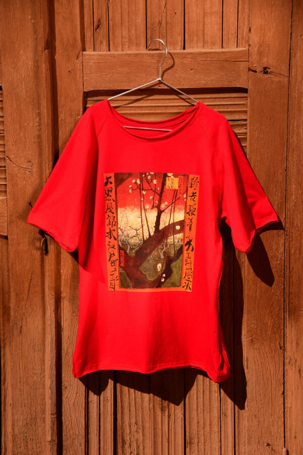 red oversized t-shirt Van Gogh